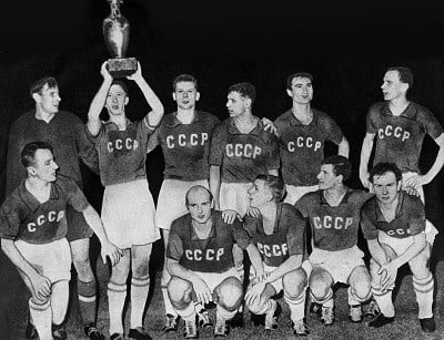 Football - European Nations Cup 1960 - Soviet Union Tournament Winners The Soviet Union team celebrate with the trophy: Back Row left to right: Lev Yaschin, Igor Netto, Viktor Ponedelnik, Yury Voinov, Givi Chokheli, Valentin Ivanov Front: Anatoly Krutikov, Valentin Bubukin, Anatoli Maslyonkin, Slava Metreveli und Mikheil Meskhi